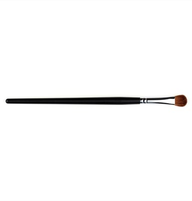 Chisel Pointed Eyeshadow Fluff